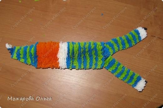 Клоун из гофрированных  спиралек. По такому принципу сделаны ножки и ручки у тигра. http://stranamasterov.ru/node/33597?tid=451%2C1492  фото 17
