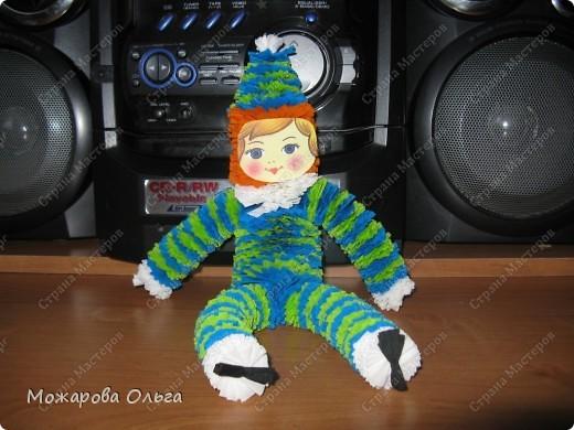 Клоун из гофрированных  спиралек. По такому принципу сделаны ножки и ручки у тигра. http://stranamasterov.ru/node/33597?tid=451%2C1492  фото 1