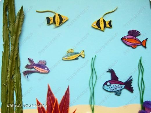 Вдохновила меня на создание моего аквариума работа Ольги Ольшак http://stranamasterov.ru/node/88592?c=favorite, за что ей очень благодарна.Работа получилась яркая, и очень нравится моей дочке, я и делала- то для нее.         Но в моей работе несколько новых персонажей, поэтому решила рассказать как я их делала.  фото 3