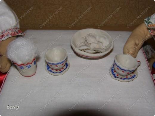 Это мои первые куколки. Делала их в школу на выставку. Выполнены они упрощённо, но даже таких мы их полюбили и было жалко отдавать.  фото 3