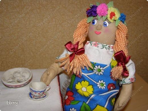 Это мои первые куколки. Делала их в школу на выставку. Выполнены они упрощённо, но даже таких мы их полюбили и было жалко отдавать.  фото 4