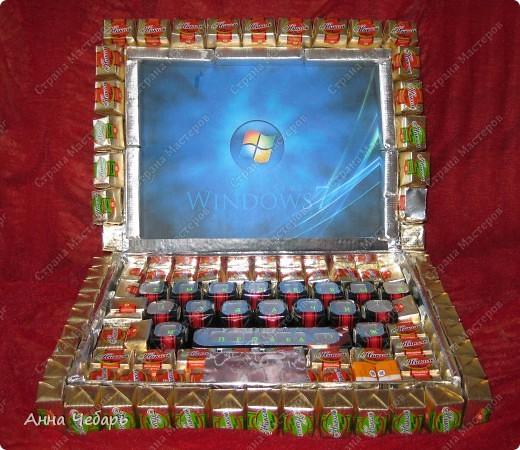 В подарок однокласснику дочери сделали вот такой нетбук. Спасибо за образцы Анне Глинко (http://stranamasterov.ru/node/129787?c=favorite) и маме марине (http://stranamasterov.ru/node/139954?c=favorite).  фото 1