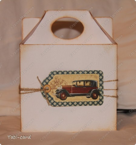 На фото не очень видно, но кробочка сделана из картона с тиснением под дерево. фото 2