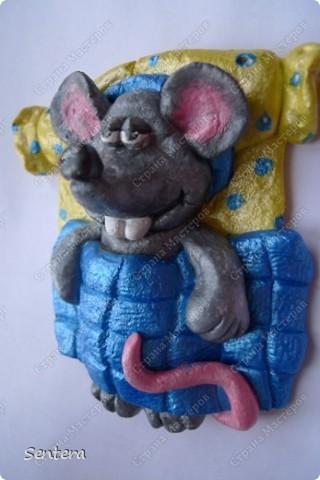 Младший брат моего мужа  коллекционирует крысок! Вот решила на 23 февраля сделать ему такой подарок! Брата зовут Юра и он очень любит поспать:))) фото 2