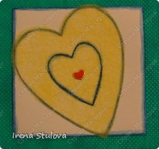 Наши с Настей валентинки. Скачала в интернете раскраску, разрезала на сердечки и дала Насте. Она увидела валентинки моих малышей и решила делать только такие. фото 21
