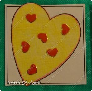 Наши с Настей валентинки. Скачала в интернете раскраску, разрезала на сердечки и дала Насте. Она увидела валентинки моих малышей и решила делать только такие. фото 4