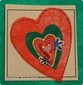 Наши с Настей валентинки. Скачала в интернете раскраску, разрезала на сердечки и дала Насте. Она увидела валентинки моих малышей и решила делать только такие. фото 5