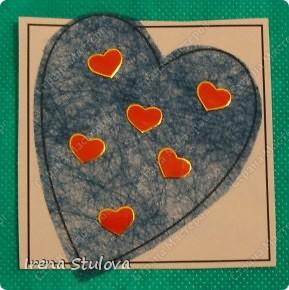 Наши с Настей валентинки. Скачала в интернете раскраску, разрезала на сердечки и дала Насте. Она увидела валентинки моих малышей и решила делать только такие. фото 6