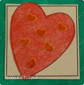 Наши с Настей валентинки. Скачала в интернете раскраску, разрезала на сердечки и дала Насте. Она увидела валентинки моих малышей и решила делать только такие. фото 7