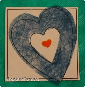 Наши с Настей валентинки. Скачала в интернете раскраску, разрезала на сердечки и дала Насте. Она увидела валентинки моих малышей и решила делать только такие. фото 9