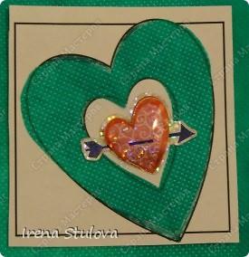 Наши с Настей валентинки. Скачала в интернете раскраску, разрезала на сердечки и дала Насте. Она увидела валентинки моих малышей и решила делать только такие. фото 11
