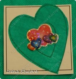 Наши с Настей валентинки. Скачала в интернете раскраску, разрезала на сердечки и дала Насте. Она увидела валентинки моих малышей и решила делать только такие. фото 16