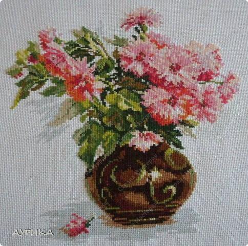 """Очень люблю цветы. Решила вышить цветочную """"галерею"""". И вот уже целый год планомерно иду к цели. фото 2"""