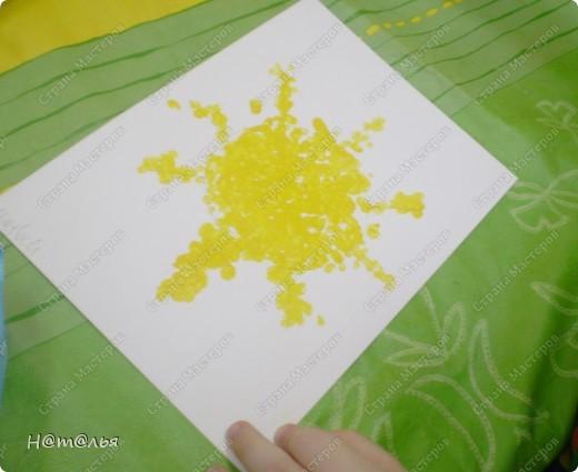Сегодня знакомились с малышами с техникой рисования ватными палочками. фото 1