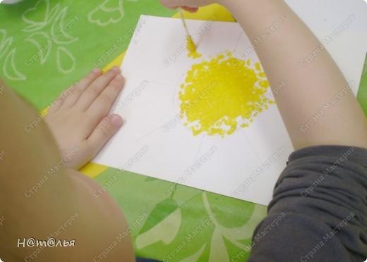 Сегодня знакомились с малышами с техникой рисования ватными палочками. фото 2