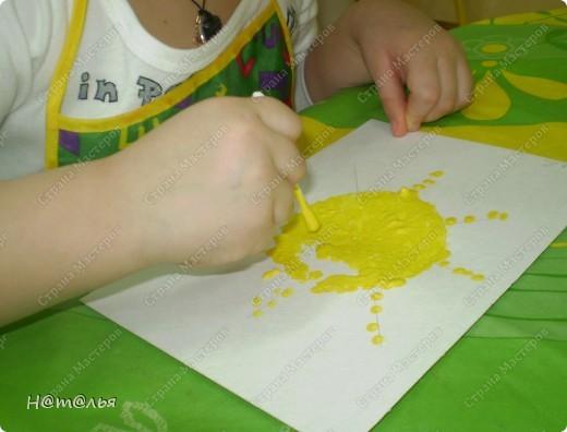 Сегодня знакомились с малышами с техникой рисования ватными палочками. фото 4