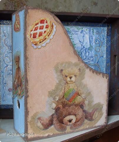 Вот такая подставочка получилась , использовала декупажную карту с мишками фото 1