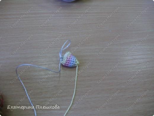 Обвязывать бусины давольно просто. Я до этого никогда в руках крючка не держала. Мне показала приятельница и все, мне понравилось)))) фото 6