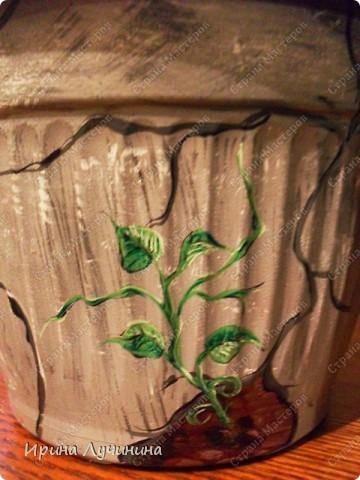"""""""Старый"""" горшок. Роспись обычного пластикового горшка для цветов акриловыми красками. фото 2"""