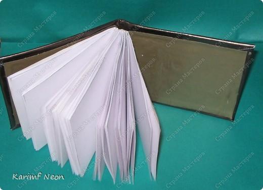 Такой переплёт книг мы делали ещё в школе.  Я постоянно делаю такие блокноты.  Кстати, бумагу можно использовать и самодельную. фото 1