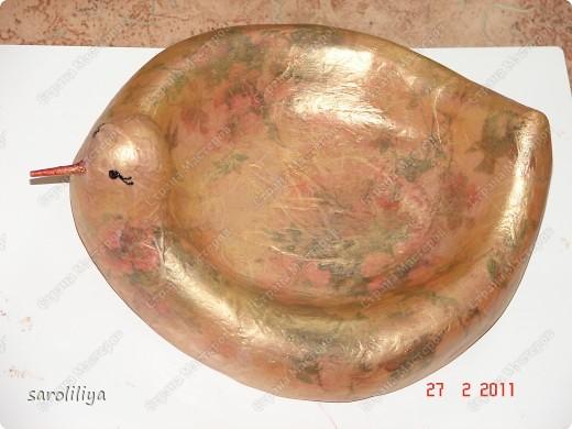 Данную птичку можно использовать, как предмет декора, вазу, подставку фото 12