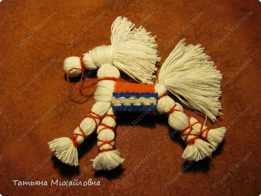 Как сделать лошадь из ниток своими