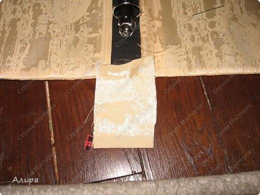 Родителям в подарок на 23 февраля и 8 марта решила сделать фотоальбом хенд-мейд. Спасибо вдохновительнице frikadella и ее МК http://stranamasterov.ru/node/139301. Хотя в процессе все поменялось, но вдохновение дорогого стоит! Для изготовления такого альбома нам понадобится: папка ПВХ 5 см (папка-регистратор) и ткань для ее обтяжки. Папку можно сделать самим из плотного картона в виде обложки, и скрепить атласной лентой, как в вышеназванном МК, но готовая папка для меня – это быстрее и аккуратнее. фото 7