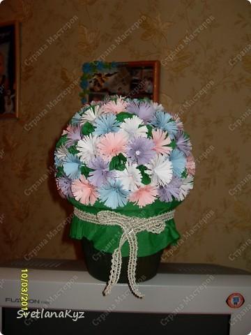 Давно хотела стелать такой цветочный шар. И вот что у меня получилось. фото 1