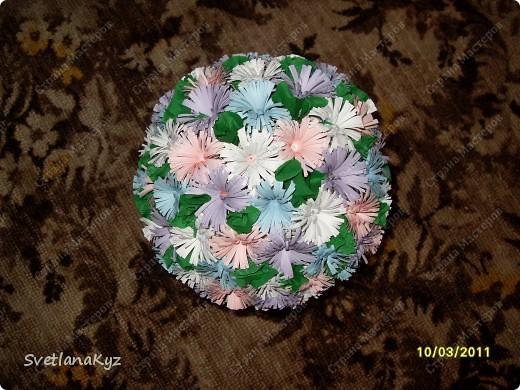 Давно хотела стелать такой цветочный шар. И вот что у меня получилось. фото 4