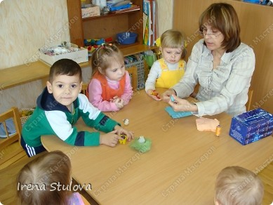 Насмотревшись http://stranamasterov.ru/node/160265 и попробовав сделать http://stranamasterov.ru/node/160827 птичек из салфеток по МК Татьяны Имполитовой, решила сделать их со своими малышами. :):):) фото 3