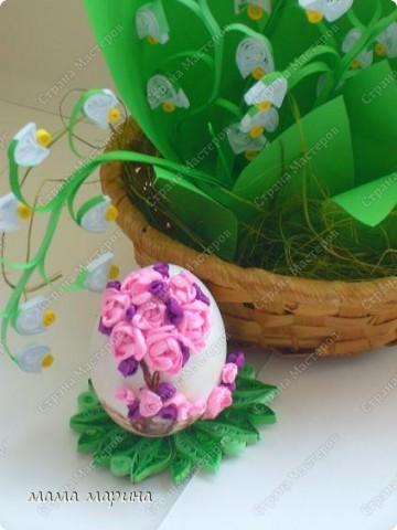 вот такой связала куличик, ну и яйца вышитые лентами  фото 5