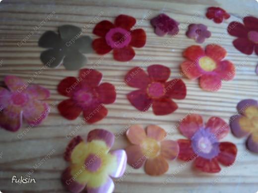 Пришла весна,на деревьях расцвели цветы ... из пластика фото 6