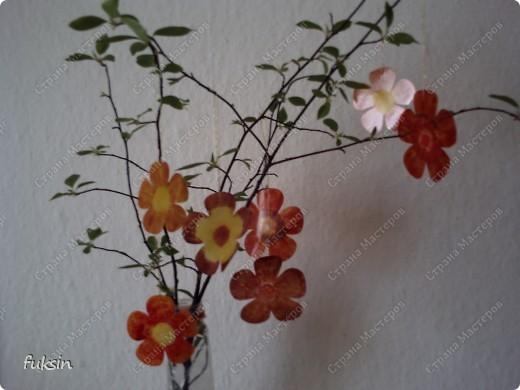 Пришла весна,на деревьях расцвели цветы ... из пластика фото 2