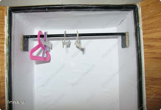 Вот такой у нас получился шкаф для кукол. Шкаф при закрытых дверях. фото 3