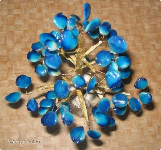 Все листья - это клей ПВА. Получилось, как камешки.    Посмотрел в интернете и такая расцветка похожа на камень ЛАЗУРИТ. фото 1