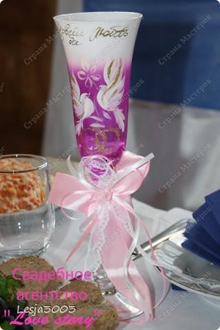 Свадебный набор: Подушечка для колец, украшение на свадебные бокалы и шампанское! На заднем плане букет невесты в моем исполнении! фото 4