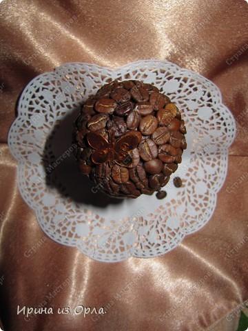 В Стране Мастеров сейчас несчетное количество очаровательных кофейных деревьев! Дочка тоже захотела вырастить кофейное дерево (для мамочки). Я идею, конечно, поддержала - уж очень люблю запах кофе!!! фото 4