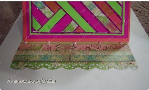 Идея сделать мозаику из обрезков пренадлежит норвежской девушке Гри.Полосы приклеены на двусторонний скотч.В промежутках гллитер. фото 6