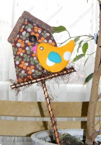 Весна...крестьянин торжествует...какая-то птичка-невеличка с весною в сени к нам летит... захотелось и мне внести свой скромный вклад в дело весенних МК...данный вид поделок когда-то давно я научилась делать в детском рукодельном кружке...может быть кто-то и знает эту технику, названия я, к сожалению, не помню...поделки делаются быстро и выглядят симпатично...справятся даже дети...  фото 23