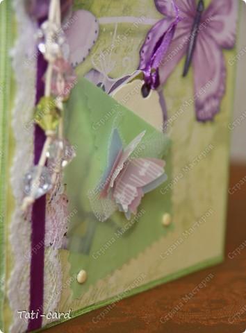 Купила вчера бумагу, с НГ лежит лаймовый картон, который никуда не пригодился,а уж бусины года полтора ждали своего звёздного часа! :) фото 4