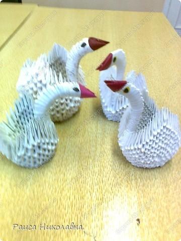 Попугайчики.Модульное оригами.Бумага.  http://stranamasterov.ru/node/19194?tid=451%2C328  фото 4