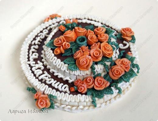 Вот такой незатейлевый тортик попросили слепить ко Дню Рождения. Диаметр - 14 см. фото 3