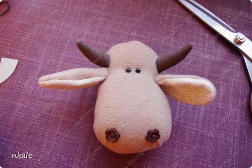 эта симпатичная коровка сшита по измененной выкройке   из PRetty  Toys  - игрушка так и называется - коровка Вакита фото 14
