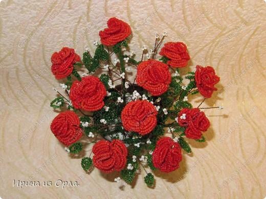 """Продолжаю """"болеть"""" бисером.  Теперь у меня появился горшочек с красными розами.  фото 3"""