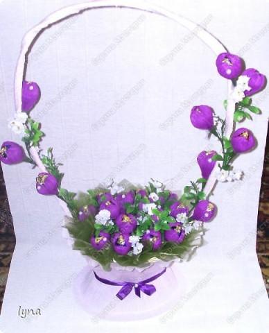 "корзинка с лилиями,в нутри конфеты ""Рококо"" фото 7"