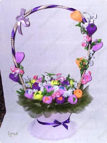 "корзинка с лилиями,в нутри конфеты ""Рококо"" фото 9"