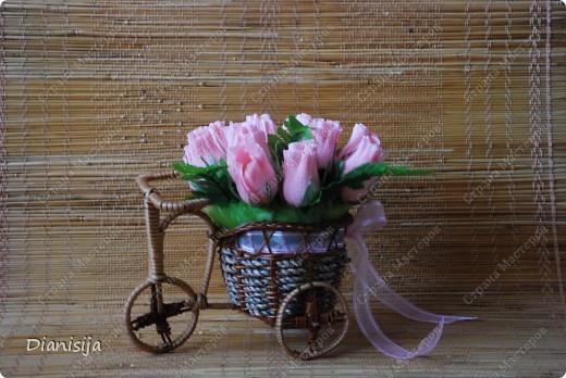 Велосипедик с бутонами роз фото 1