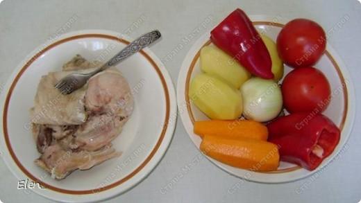 Узбекская разновидность пельменей чем-то напоминает китайские вонтоны. Их делают очень маленькими и подают вместе с бульоном и овощами. В остальном же технология приготовления похожа на русскую. Используется тот же состав продуктов, но в начинке согласно мусульманским традициям исключена свинина. Еще одно сходство с китайской кухней - узбекские пельмени подают с уксусным соусом, готовят также подливы из нашинкованной зелени, помидор и острого перца. фото 11