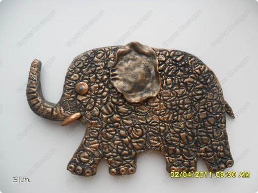Очень давно была влюблена в слоника,которого слепила Inna-mina,очень благодарна ее за идейку,надеюсь не опозорилась,этот слоник из теста пока не оформлен,не знаю приклеить его на эту рамку,или перекрасить,то есть пока не доделка фото 2