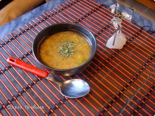 Дочке на 8 марта подарили набор для японской еды. Вот и решили мы сегодня эту посуду обновить. Готовили суп мисо первый раз, но вроде неплохо получилось, кстати готовиться быстро. фото 1